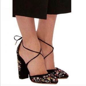 Matisse embroidered heels size 6